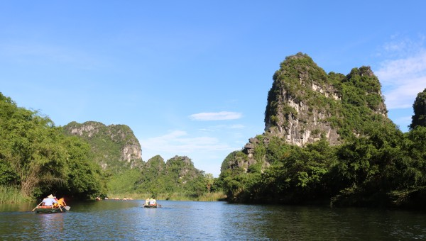 Ninh Binh Province - Halong Bay on land